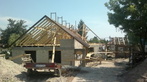 Parasztház építése stabilizált földtéglából