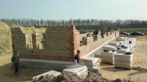 Már nőnek a falak 2014-03-28